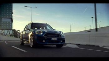 MINI May Test Drive Event TV Spot, 'Compare' Song by Tennessee Jet [T1] - Thumbnail 1