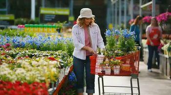 The Home Depot TV Spot, 'Flores anuales' [Spanish] - Thumbnail 4