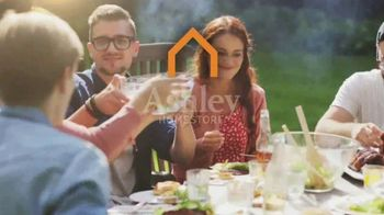 Ashley HomeStore Memorial Day Event TV Spot, 'Red, White and Bold' - Thumbnail 10