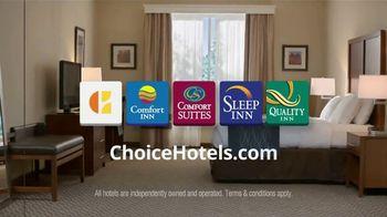 Choice Hotels TV Spot, 'Summertime Badda Book, Badda Boom' - Thumbnail 8
