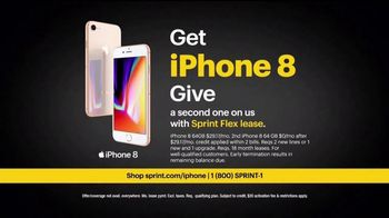 Sprint Unlimited TV Spot, 'Switch: iPhone 8' - Thumbnail 9