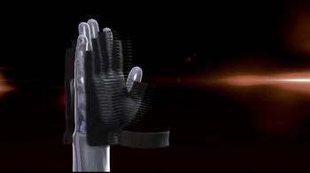 Copper Fit Compression Gloves TV Spot, 'Relief' Ft. Jerry Rice, Brett Favre - Thumbnail 2