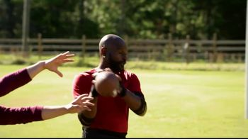 Copper Fit Compression Gloves TV Spot, 'Relief' Ft. Jerry Rice, Brett Favre - Thumbnail 3