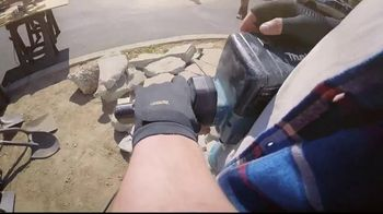 Copper Fit Compression Gloves TV Spot, 'Relief' Ft. Jerry Rice, Brett Favre - Thumbnail 4
