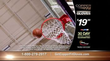 Copper Fit Compression Gloves TV Spot, 'Relief' Ft. Jerry Rice, Brett Favre - Thumbnail 9