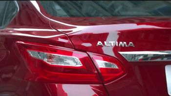 Nissan TV Spot, 'Rush Hour' - Thumbnail 3