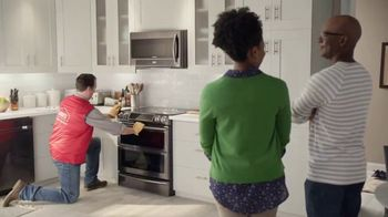 Lowe's TV Spot, 'The Moment: Oven' - Thumbnail 8