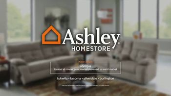 Ashley HomeStore 52nd Super Savings TV Spot, 'Score Big' - Thumbnail 9