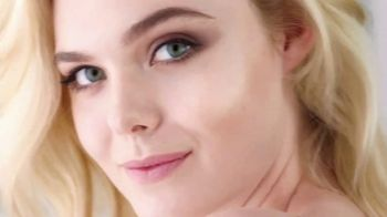 L'Oreal Paris Lumi Glotion TV Spot, 'Effortless Glow' Feat. Elle Fanning