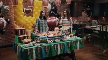 Party City Inflatable Snack Stadium TV Spot, 'Game Day Spread: Gluten-Free'