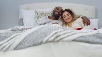 Mattress Firm New Year's Sleep Sale TV Spot, 'Cozy Up' - Thumbnail 6