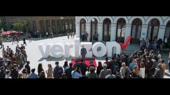 Verizon TV Spot, 'Awards: Google Pixel 2' Featuring Thomas Middleditch - 2295 commercial airings
