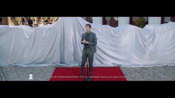 Verizon TV Spot, 'Awards: Google Pixel 2' Featuring Thomas Middleditch - Thumbnail 4