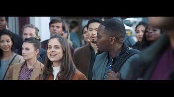 Verizon TV Spot, 'Awards: Google Pixel 2' Featuring Thomas Middleditch - Thumbnail 5