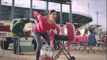 Aspercreme Lidocaine No Mess TV Spot, 'Tailgating' - Thumbnail 3