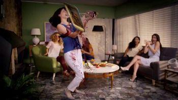 Clorox Splash-Less Bleach TV Spot, 'Shine On, Klutzes: Hail: Collection' - Thumbnail 4