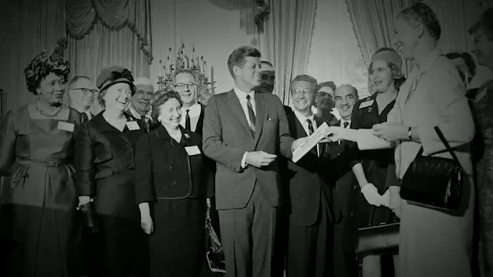 John F. Kennedy Presidential Foundation TV Commercial, 'Profile in Courage Award'