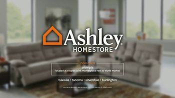 Ashley HomeStore 52nd Super Savings TV Spot, 'After-Hours Event' - Thumbnail 8