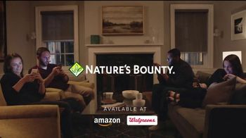 Nature's Bounty Lutetin Blue TV Spot, 'Couch' - Thumbnail 9