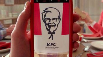 KFC $20 Fill Up TV Spot, 'Full Attention'
