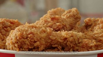KFC $20 Fill Up TV Spot, 'Full Attention' - Thumbnail 4