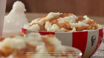 KFC $20 Fill Up TV Spot, 'Full Attention' - Thumbnail 6