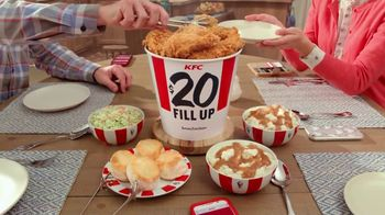 KFC $20 Fill Up TV Spot, 'Full Attention' - Thumbnail 7
