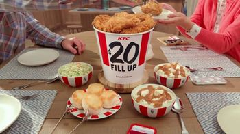 KFC $20 Fill Up TV Spot, 'Full Attention' - Thumbnail 8