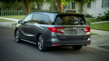 2018 Honda Odyssey Elite TV Spot, 'Now Boarding' [T1] - Thumbnail 10