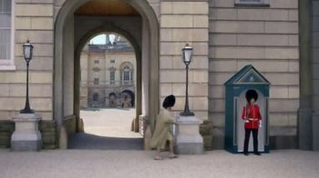 GEICO TV Spot, 'Casual Friday at Buckingham Palace' - Thumbnail 1
