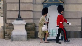 GEICO TV Spot, 'Casual Friday at Buckingham Palace' - Thumbnail 3