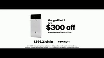 Verizon TV Spot, 'Google Pixel 2' Featuring Thomas Middleditch - Thumbnail 10