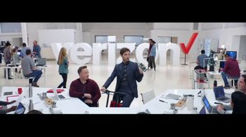 Verizon TV Spot, 'Google Pixel 2' Featuring Thomas Middleditch - Thumbnail 2