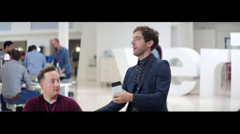 Verizon TV Spot, 'Google Pixel 2' Featuring Thomas Middleditch - Thumbnail 3