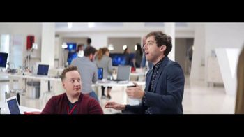 Verizon TV Spot, 'Google Pixel 2' Featuring Thomas Middleditch - Thumbnail 7