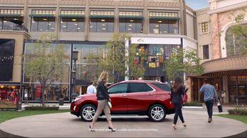 2018 Chevrolet Equinox LT TV Spot, 'Everybody, Everywhere' [T2] - Thumbnail 4
