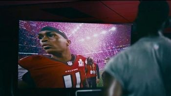 Bose TV Spot, 'Julio Jones Is Charged Up' Song by Gizzle - Thumbnail 3