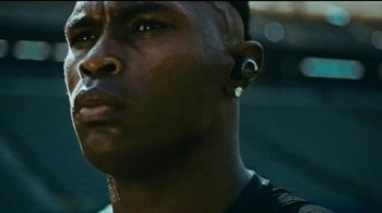 Bose TV Spot, 'Julio Jones Is Charged Up' Song by Gizzle - Thumbnail 4