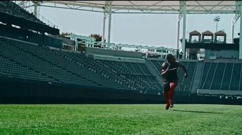 Bose TV Spot, 'Julio Jones Is Charged Up' Song by Gizzle - Thumbnail 6
