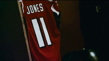 Bose TV Spot, 'Julio Jones Is Charged Up' Song by Gizzle - Thumbnail 8