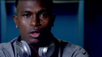Bose TV Spot, 'Love That Feeling' Featuring Julio Jones - Thumbnail 6