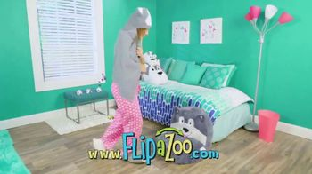 FlipaZoo Combo TV Spot, 'Slippers, Towel and Bean Bag Chair'