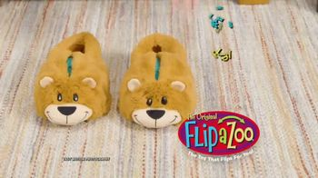 FlipaZoo Combo TV Spot, 'Slippers, Towel and Bean Bag Chair' - Thumbnail 1