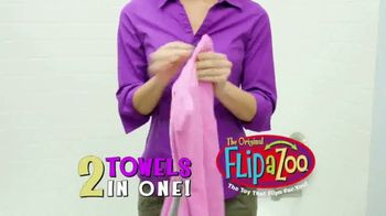 FlipaZoo Combo TV Spot, 'Slippers, Towel and Bean Bag Chair' - Thumbnail 2