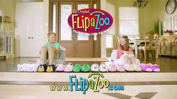 FlipaZoo Combo TV Spot, 'Slippers, Towel and Bean Bag Chair' - Thumbnail 4