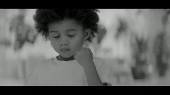 Calvin Klein Eternity TV Spot, 'Heart' Featuring Jake Gyllenhaal - Thumbnail 3