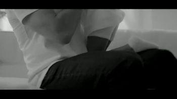 Calvin Klein Eternity TV Spot, 'Heart' Featuring Jake Gyllenhaal - Thumbnail 4
