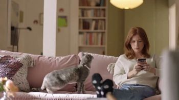 Wells Fargo App TV Spot, 'Suspicious Card Activity Alerts: Cat' - Thumbnail 3