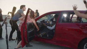2018 Kia Rio TV Spot, 'The Small Car That Can Do Big Things' - Thumbnail 7