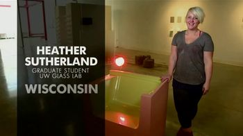 BTN LiveBIG TV Spot, 'Inside Wisconsin's Leading-Edge Glass Lab' - Thumbnail 5